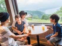 【夏休み☆野尻湖テラス往復リフト券付】標高1100Mの展望テラスへGO!リフト券&バイキング2食付