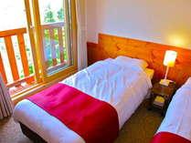 【人気プラン】スイスの山岳ホテル気分を味わう★ニホンカモシカも来る宿★貸切温泉とスイス伝統料理