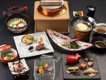 【じゃらん初夏SALE】10%OFF!二千坪の日本庭園、旬の和食を客室温泉と共に愉しむ。(夕朝食付)のイメージ画像