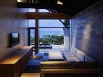 窓に広がる夕日と海 美食を奏で150有余年 間人温泉 炭平の施設写真1