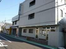 ビジネスホテル岡本越谷店の写真