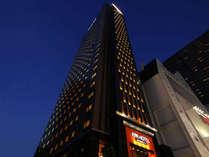 アパホテル〈新宿 歌舞伎町タワー〉の写真