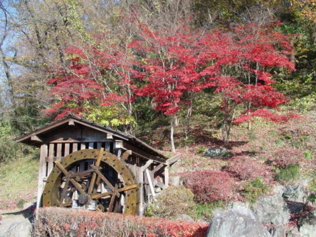 羊山公園牧水の滝