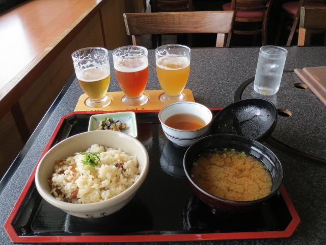 お勧めの当地名物・地酒3種セットとシジミ飯とシジミ汁のランチ_松江堀川地ビール館