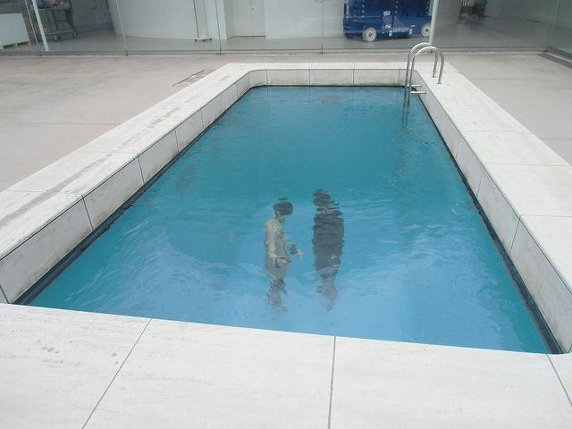 無料で入れるスペースにあります。_金沢21世紀美術館