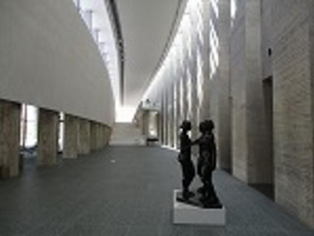 一階_岩手県立美術館