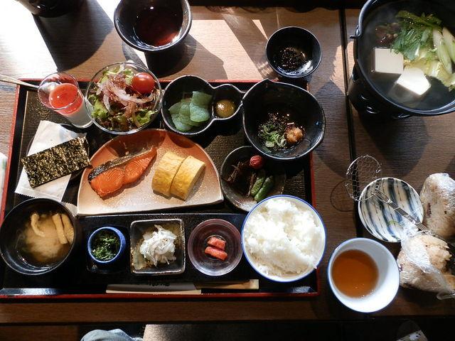 朝食もすごかった_永源寺温泉八風の湯