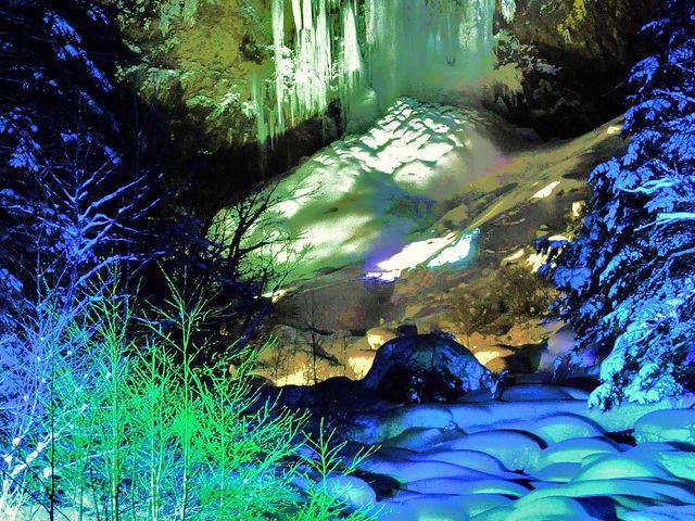 ライトアップ_平湯大滝