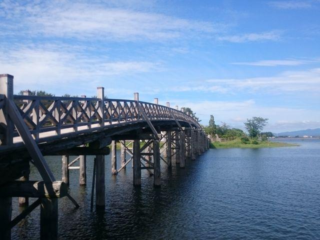岩木山を背にして_鶴の舞橋
