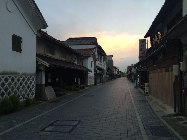 日の出と殿町通り_本町通り