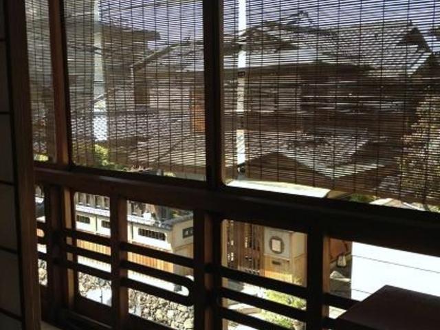 離れの建物から_京都祇園・天ぷら八坂圓堂