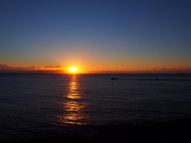 宿から見えた夜明け_黒根岩風呂