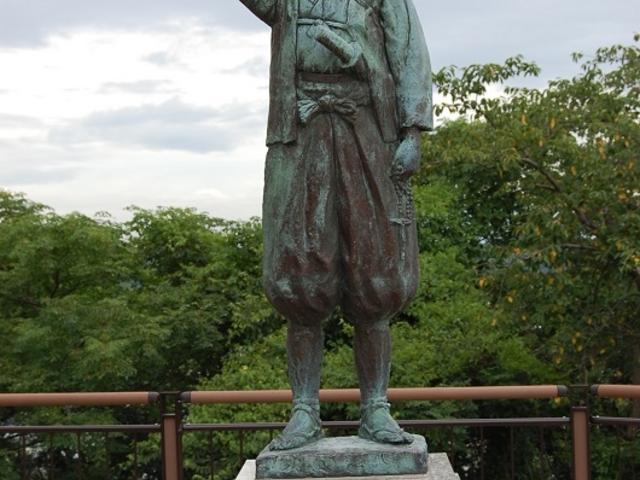 こんな銅像も_天草四郎銅像