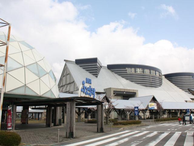 食事するにも遊びに行くにも楽しい道の駅です_道の駅 新潟ふるさと村バザール館