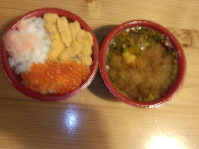 伊勢エビの味噌汁と海鮮丼_ひろめ市場