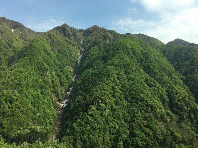 バスからの景色_称名峡谷