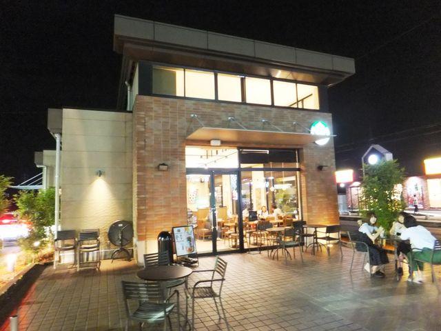 夜の店舗外観_スターバックスコーヒー大和高田店