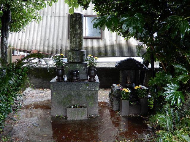 供養塔_沖田畷の古戦場