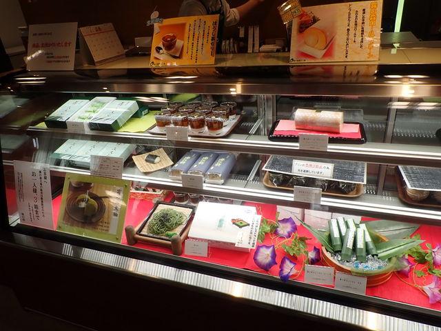 さまざまな種類があります_霧の森菓子工房・新宮本店