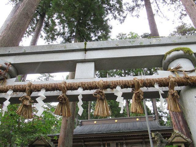 本殿前の鳥居_須波阿須疑神社