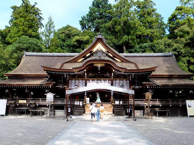 立派な拝殿:さすが国内最古級の神社ですね。_大神神社