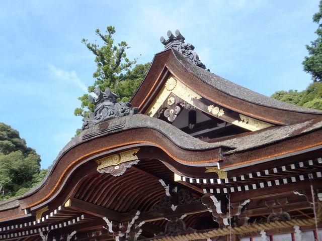 菊のご紋が燦然と輝いていました。_大神神社