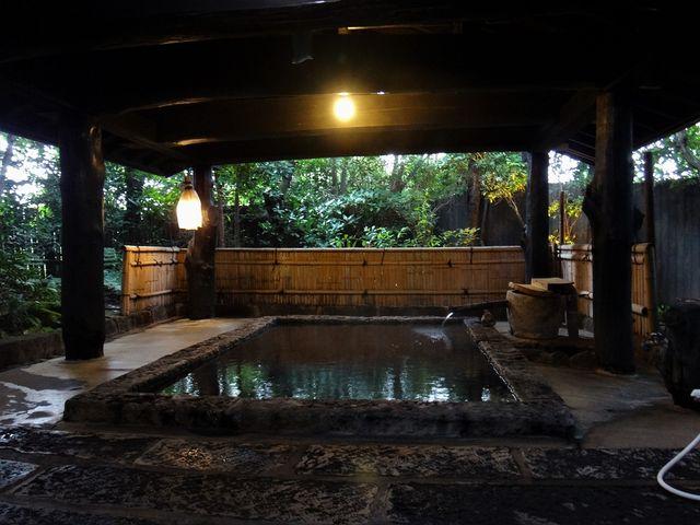 切石の風呂。_阿蘇内牧温泉 親和苑