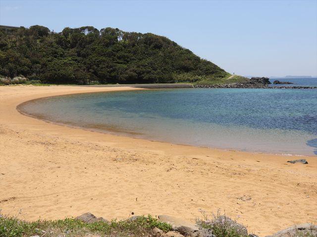 海水が透き通って綺麗_波戸岬海水浴場