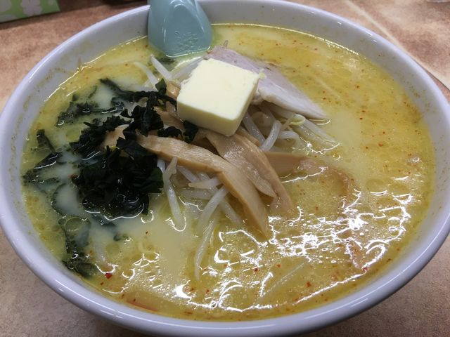 味噌カレー牛乳らーめん_味の札幌 大西