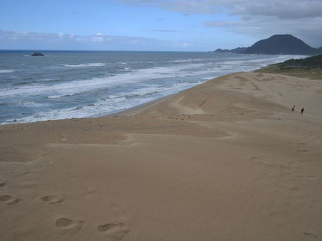穏やかな砂浜この手前は砂山です_風紋・砂簾