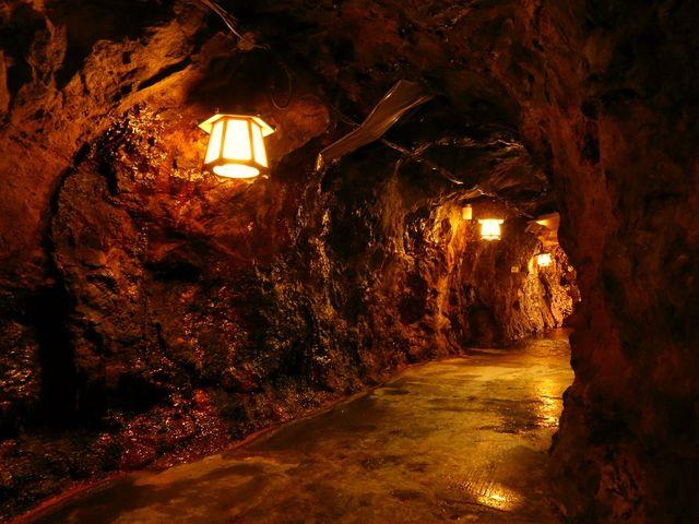 洞窟内遊歩道_三段壁洞窟