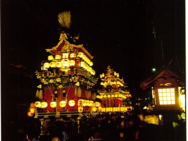 夜祭_高山祭屋台会館