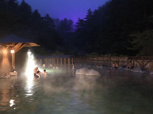 毎週金曜日は「混浴の日」イベントを開催 17:30~20:00 ※特定日を除く_西の河原露天風呂