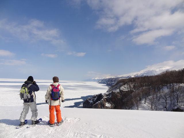 冬の絶景。スノーシューで歩いて行ったからこそ、見られる景色。_(株)知床ネイチャーオフィス