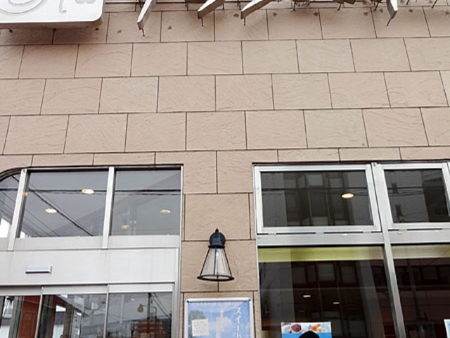 クランベリー本店の入り口前_クランベリー本店