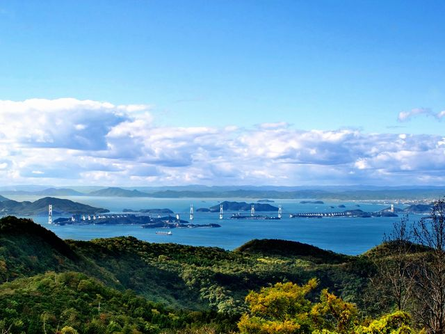 五色台スカイラインの頂上にある、五色台休暇村より見える瀬戸大橋_五色台