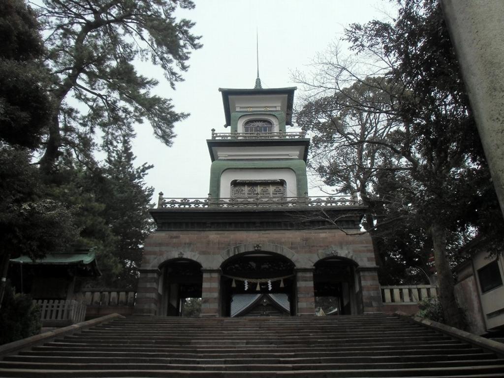 尾山神社神門