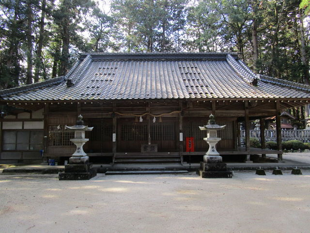 拝殿_諏訪神社