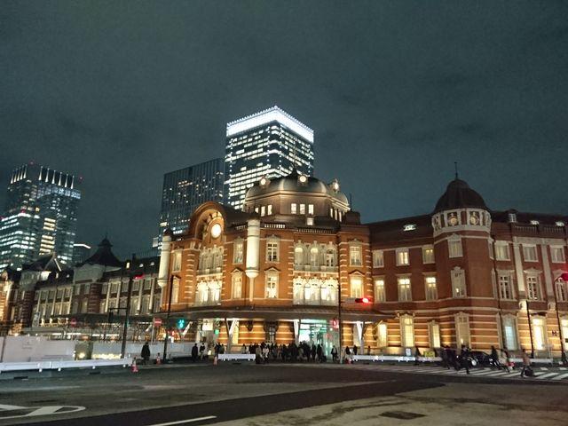 師走に立ち寄った、夜の東京駅。忙しいせわしない時間の中で、そこだけ、ロマンチックでした☆_東京駅