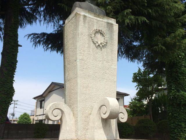 近くの山本五十六公園にある胸像_山本五十六記念館