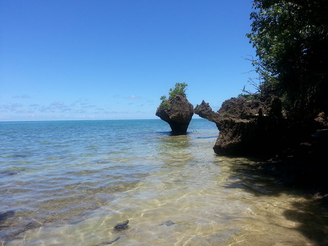 鍾乳洞を抜けると海へ_伊原間サビチ鍾乳洞