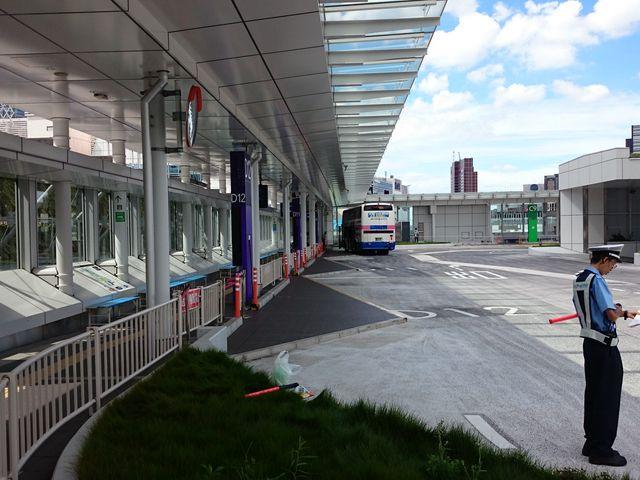 バス乗り場_バスタ新宿
