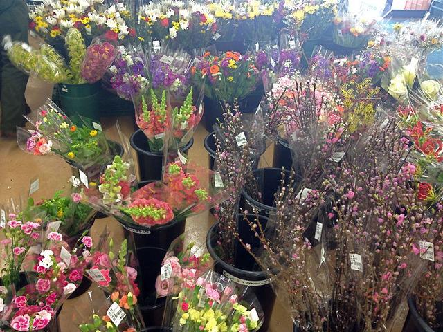 切り花コーナー_JA千葉みらい農産物直売所しょいか~ご習志野店