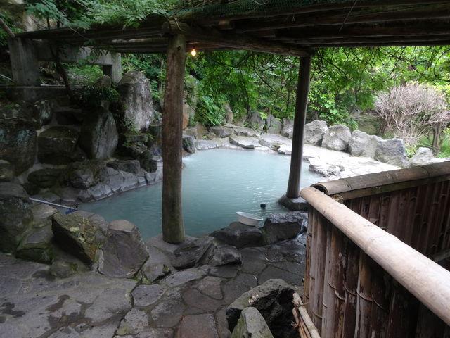 岩石岩風呂_地獄温泉「清風荘」