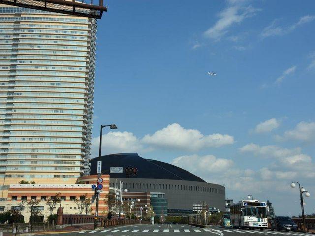 ヤフオク!ドーム ホテル横の交差点より_福岡PayPayドーム