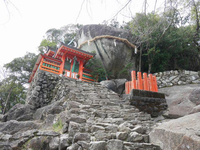 岩のインパクトがすごい_神倉神社