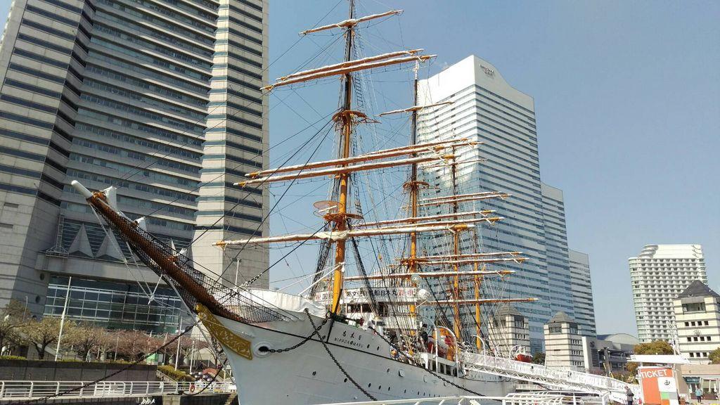 横浜みなと博物館と帆船日本丸