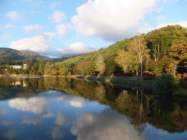 湖面が鏡のようでした。_蓼科湖