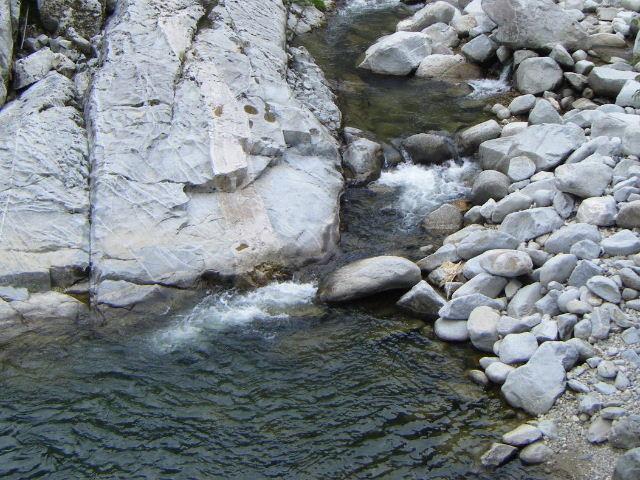 奇岩や巨石_雄淵雌淵公園