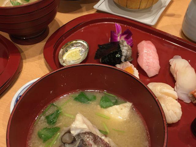 お得感のあるランチのセット_ひょうたん寿司